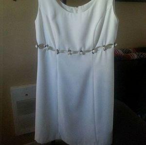 3/$35 Beautiful Summer Wedding Dress Size 8